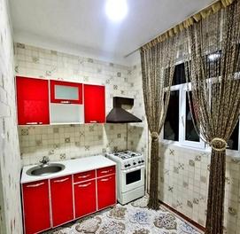 1~комнатная срочно продаётся Эко Базар Массив Феруза Геникалогия.