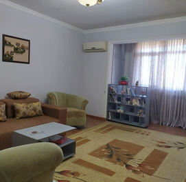 2-комнатная квартира (2/8/9) с отличным ремонтом на ул. Мирабад...