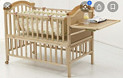 Детская кроватка с люлькой и откидным столиком