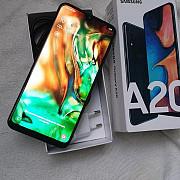 Samsung A20 (2019). Цвет черный. Память 3/32 Гб. Камера 16 Мп.
