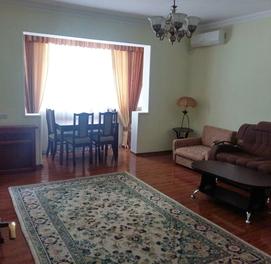 3-комнатная квартира (3/3/9) с отличным ремонтом в центре...