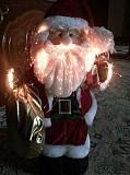 Санта Клаус привозной+ 7метр привозная гирлянда.