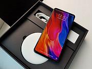 Продам Xiaomi Mi Mix 3 (128gb) Официальный. С беспроводной зарядкой.