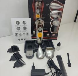 Абсолютно новая бритва+машинка для стрижки волос и бороды гарантия и д