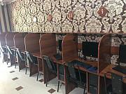 15 компьютеров с мебелью
