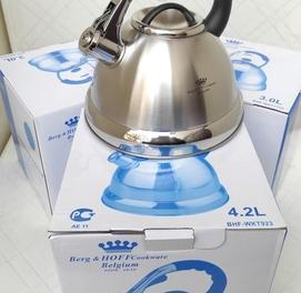 Чайник фирма Berg HOFF 3.5л из нержавеющей стали со свистком