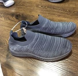 Мужские кроссовки типо скечерсы размеры есть Привез из Дубая