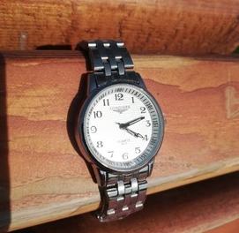 Необыкновенные Часы женские от бренда Longines магнитным ремешком