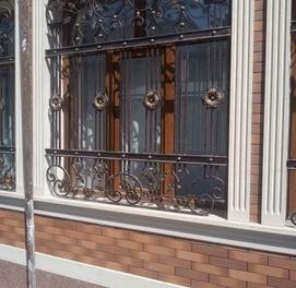 Перила, решетки на окна, ограды, заборы. Любой сложности.