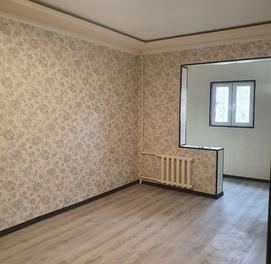 Продается чиланзар 19. Одна комнатная. Балкон 1,5*6.