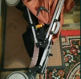 продается детская коляска из Польши.