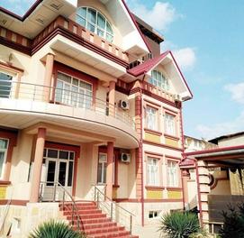 Продаётся дом с отличным свежим ремонтом на улице Саёхат...