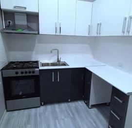 Продается квартира Чиланзар 2кв высокопотолочка Кирпич 60м2.