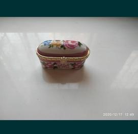 продаётся сувенирная шкатулка фарфоровая Польша