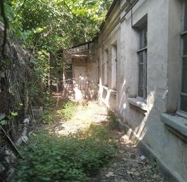 Продаётся участок со старым домом (под застройку) на ул. 8 Марта
