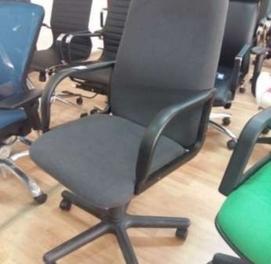 Продам дипломат кресло новое