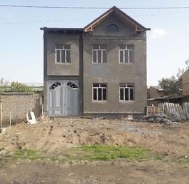 Продам свой участок (коробка) в Янги Хаятском районе 3 соток 7 комнат