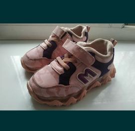 продаются кроссовки размер 25 в хорошем состоянии
