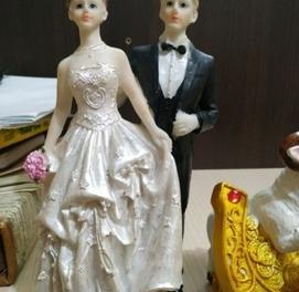 продаются статуэтки для торта и предметы интерьера
