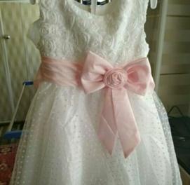 продаются три платья новые цена за всё