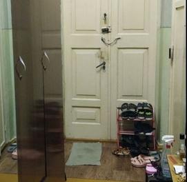 Продажа Шайхантахурский район Урда высокопотолочка без ремонта.