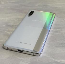 Samsung Galaxy A90 Yengdek 6/128 GB Whinte Sanpdragon 855 Aksiya