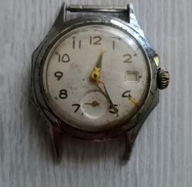 Советские механические часы.