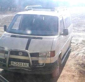 Volkswagen Т4 полуось синган, юрмаяпти, микроавтобус, орқа сидение йўқ